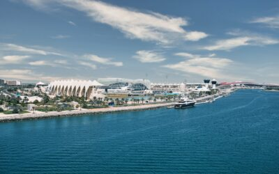 Abu Dhabi – The Gorgeous Waterside Capital of UAE that Should be your Next Holiday Destination